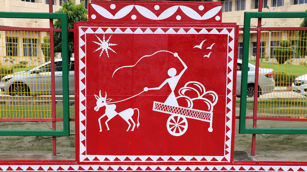 Noida Office Complex Of National Fertilizers Limited Adorns Its Walls With Warli Paintings