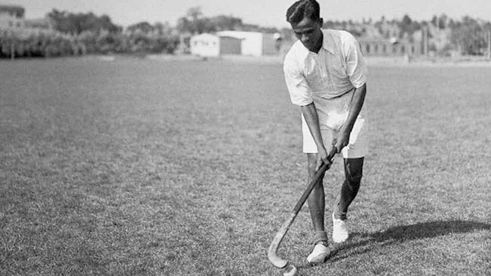 Yogi Leads UP In Paying Tributes To Hockey Wizard Dhyan Chand On His 105th Birth Anniversary