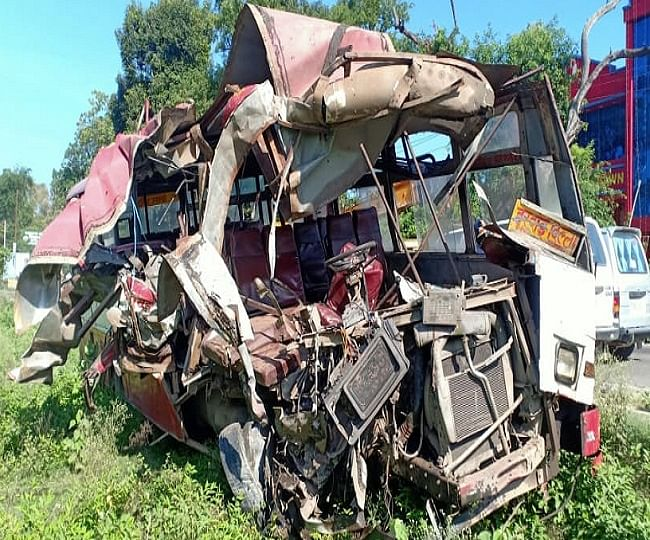 Six Killed In Lucknow Road Mishap In Head-on Collision Between Two UPSRTC Buses