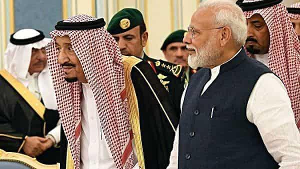 وزیر اعظم اور سعودی عرب کے عزت مآب شاہ کے درمیان ٹیلی فون پر بات چیت