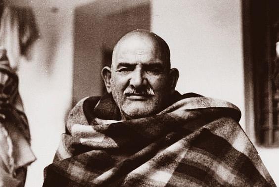नीब करौरी बाबा की अनंत कथाएँ: द्वारिका में श्री कृष्ण कमल के चरण रूप दर्शन