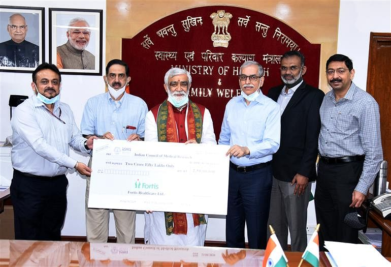Fortis Healthcare Hands Over Cheque Of Rs 2.5 Crore To ICMR From CSR Fund