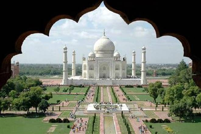 After A Long Break Of 188 Days, Taj Mahal Opens Gates, The First Visitor Is A Chinese