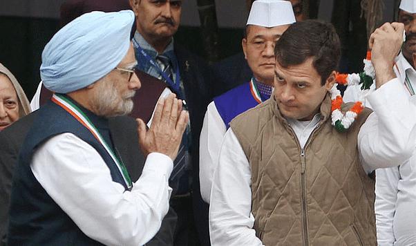 मनमोहन सिंह के जन्मदिन पर राहुल भले ही बधाई दे रहे हों लेकिन गांधी परिवार ने उन्हें अच्छे कार्यों का श्रेय नहीं दिया