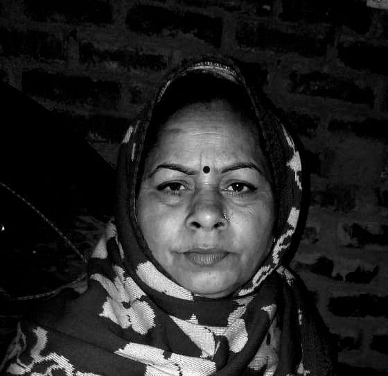 मैनपुरी में एलआईसी बिल्डिंग के सामने वॉल्वो बस से कुचलकर महिला की दर्दनाक मौत