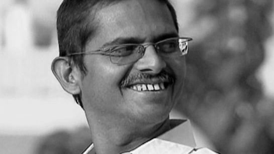 """AAP High Command """"Refuses"""" To Let In Retired Whistle Blower IPS Amitabh Thakur"""