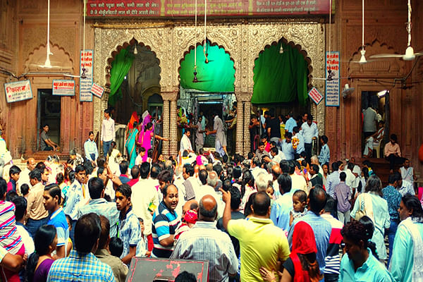 After Banke Bihari Temple Closes Again Due To Large Crowds, People Hit Streets To Demand RollBack