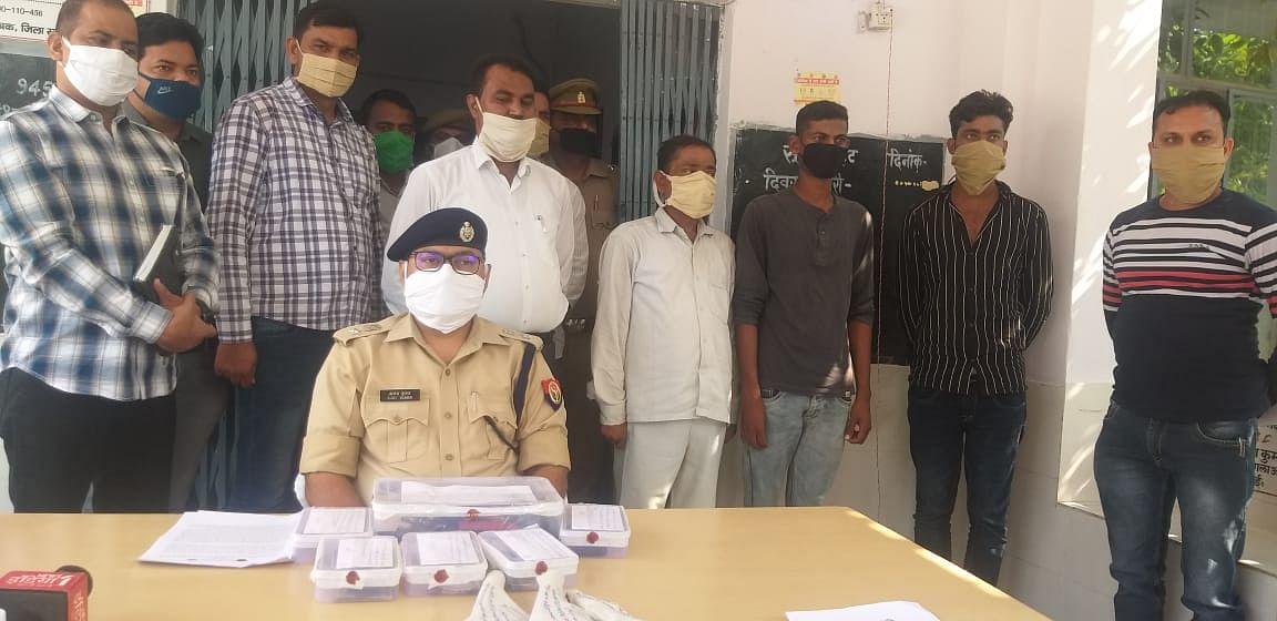 आगरा-लखनऊ एक्सप्रेस वे पर कील गाड़ कर गाड़ियाँ पंचर कर लूटने वाला गैंग मैनपुरी पुलिस के हत्थे चढ़ा
