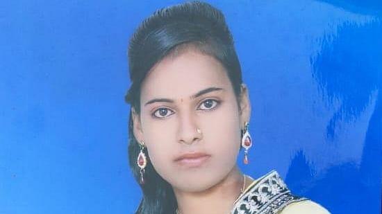 मैनपुरी में एक और नवविवाहिता चढ़ी दहेज की भेंट, ससुरालियों पर मौत के घाट उतरने का आरोप
