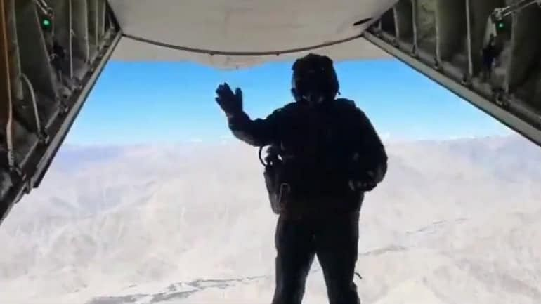 New Record Of Skydive Landing by IAF Set At Khardungla Pass, Leh