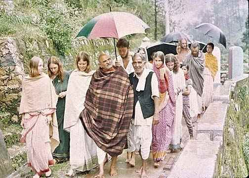 नीब करौरी बाबा की अनंत कथाएँ: बद्रीनाथ  के रूप में दर्शन