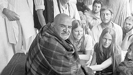 नीब करोली बाबा की अनंत कथाएँ : माँ के रूप में भगवान