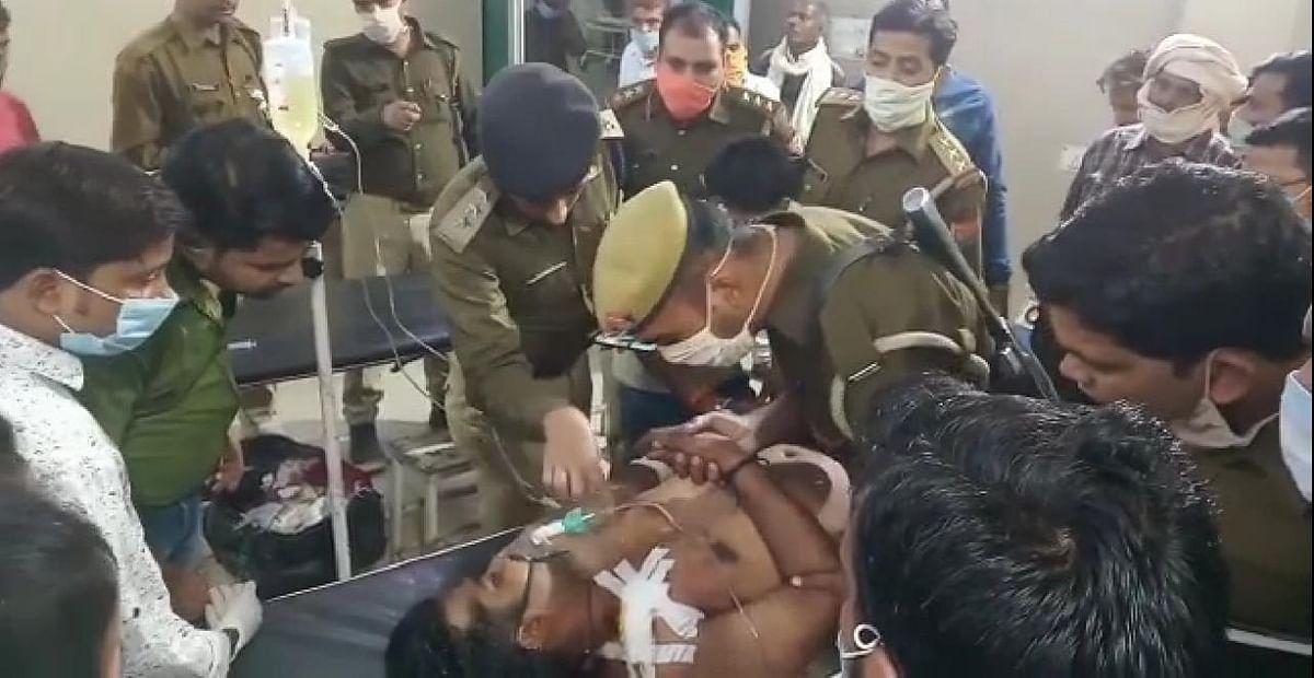 मैनपुरी में भाजपा नेता शिवम चौहान की गाड़ी पर ताबड़तोड़ फायरिंग, गनर बुरी तरह जख्मी