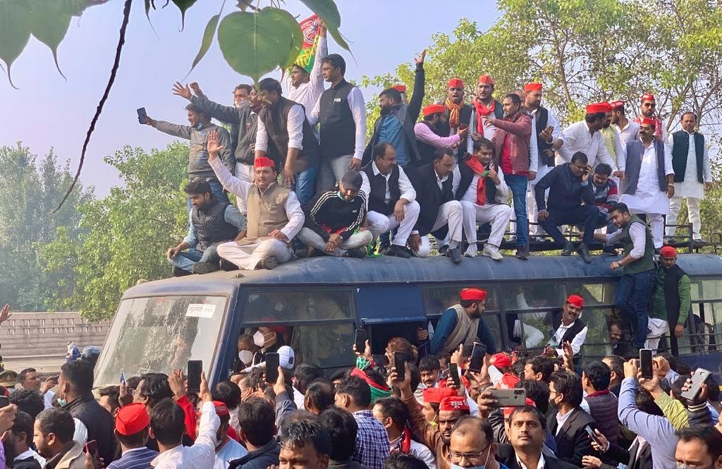 Samajwadi Party Chief Akhilesh Yadav Detained In Lucknow