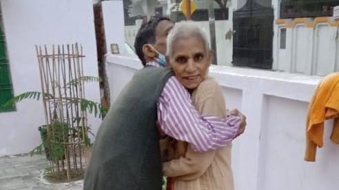 उम्मीद ने मिलाया कई महीनों से लापता माँ को उनके परिवार से
