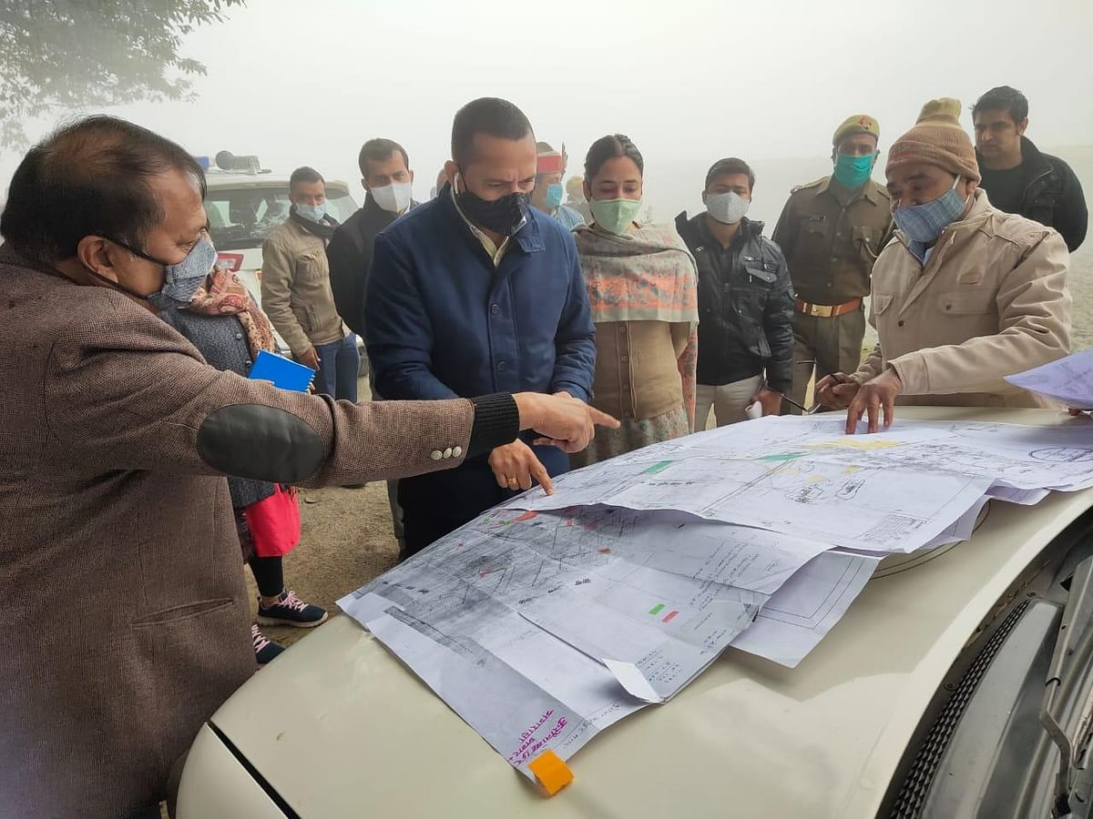 Mega Leather Cluster Project In Kanpur Gains Momentum, Commissioner Visits Site
