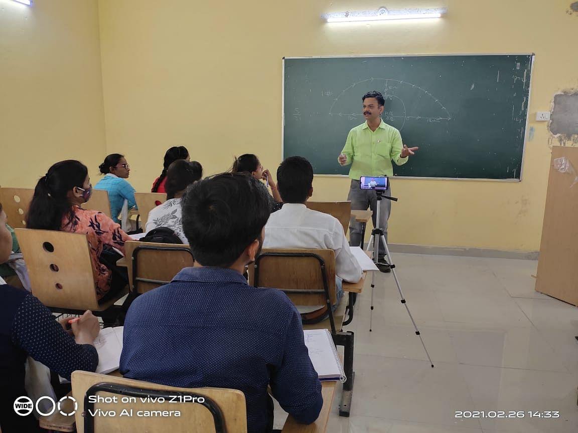 53 Officials In Kanpur Division Show Interest In Teaching, Guiding, Motivating Aspirants Under CM's Abhyudaya Scheme