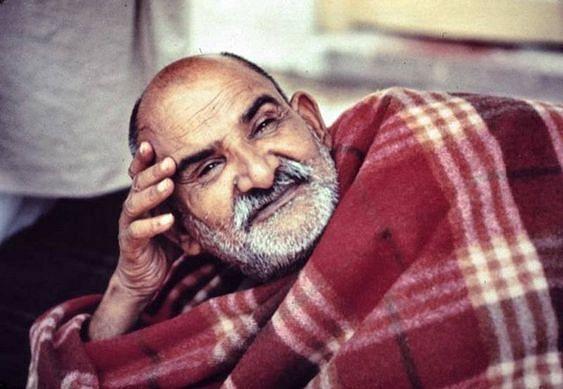 नीब करौरी बाबा की अनंत कथाएँ: शिरडी साई बाबा, राम कृष्ण परमहंस का उदाहरण दे महाराज जी गुरु भक्ति को प्रेरित करते थे