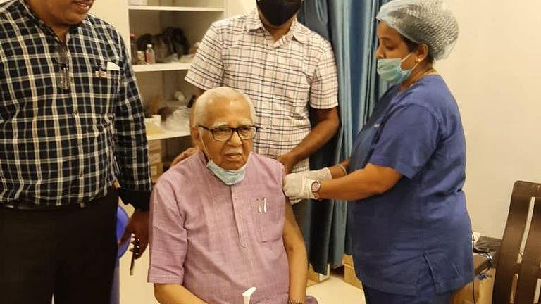 Ram Naik, Wife Takes First Jab Of Coronavirus Vaccine