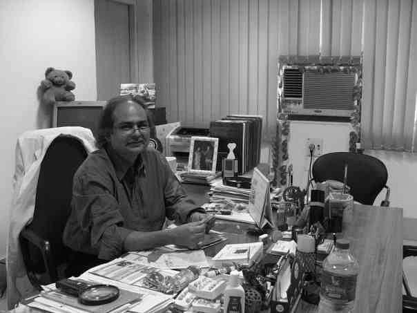 KGMU Professor And Eminent Dentist Anil Chandra Succumbs To COVID