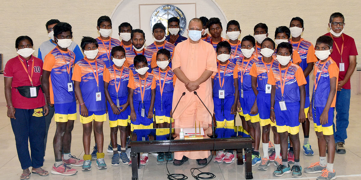 Andhra Pradesh's Tribal Children On Himalayan Expedition Meet Yogi Adityanath In Lucknow