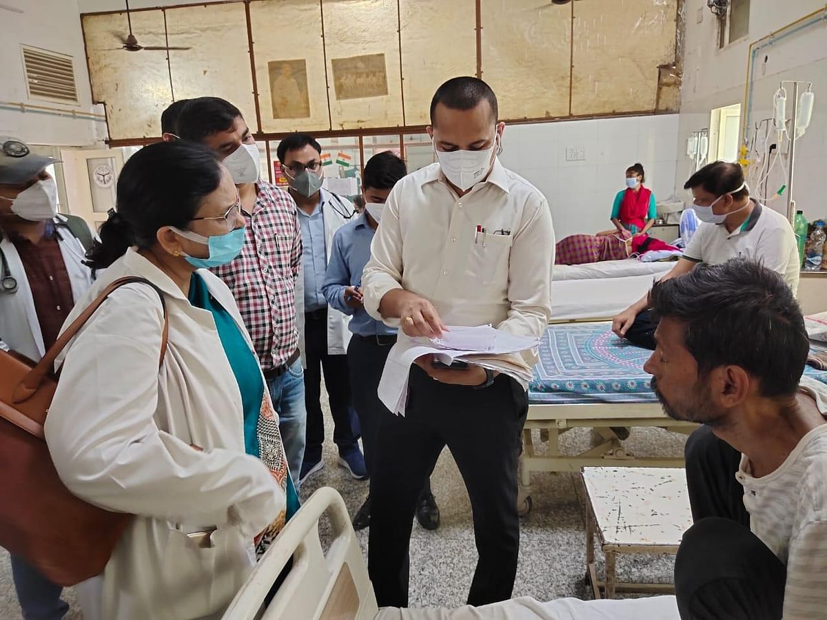 Kanpur Commissioner Inspects GSVM Medical College, Find Serious Discrepancies