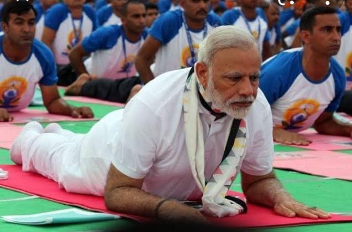 पंडित नेहरू का भी था योग से गहरा नाता पर मोदी ने बनाया वैश्विक ब्रांड