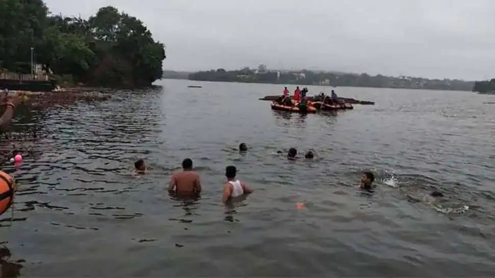 Agra Family Washed Away In Saryu River In Ayodhya, Five Bodies Fished Out, Six Rescued