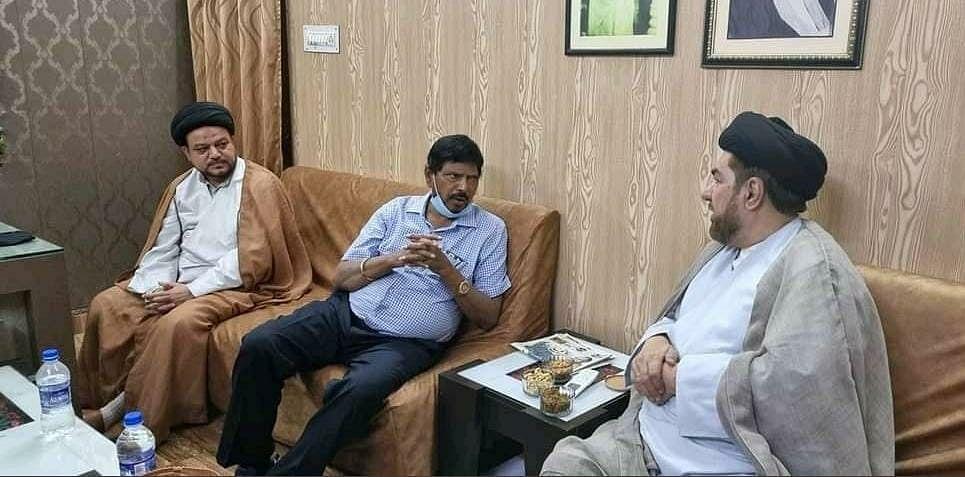 مرکزی وزیر رامداس اٹھاولے نے مولانا کلبے جواد نقوی سے ان کی رہائش گاہ پر ملاقات کی۔