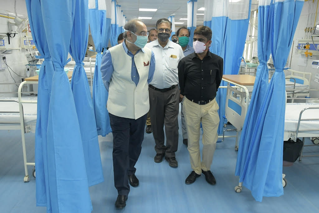 AMU Vice-Chancellor Inspects Ramped Up JNMC Covid Facilities