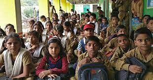 उत्तर प्रदेश में किताबों के मुद्रण में तेज़ी, अगस्त तक हर बच्चे के हाथों में होगी किताब