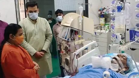 Uma Bharti Visits Ailing Kalyan Singh, Is Overwhelmed By Memories And Emotions