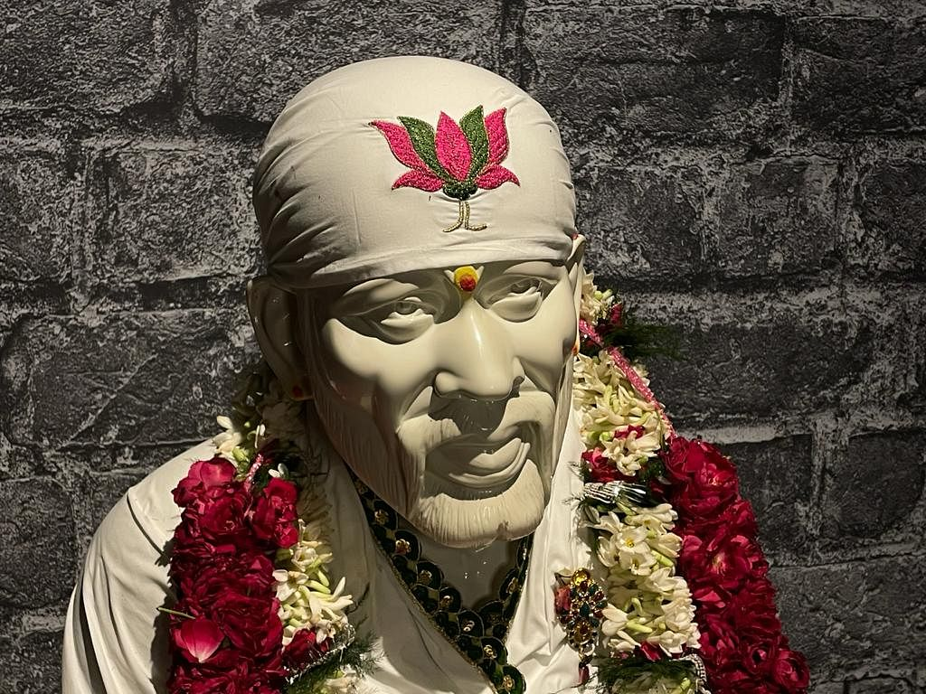 Darshan Of Shirdi Sai Baba From 108 Temples Around The World: July 28, 2021