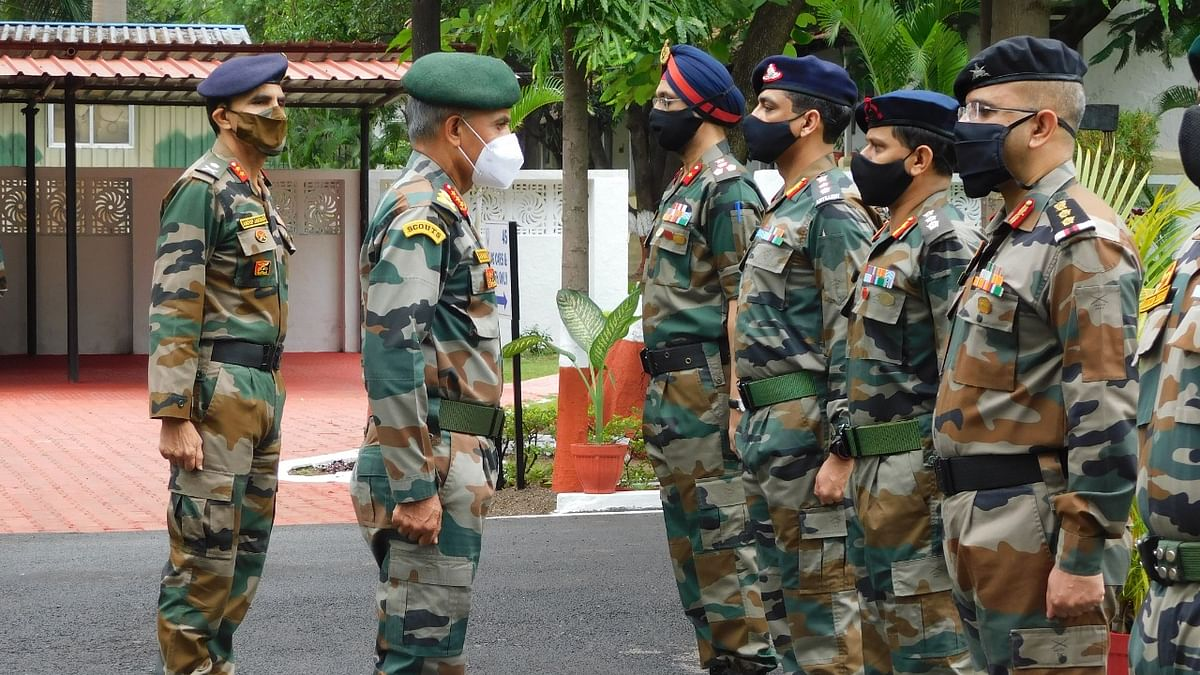 Southern Army Commander Reviews Operational Preparedness Of Territorial Army Group HQ