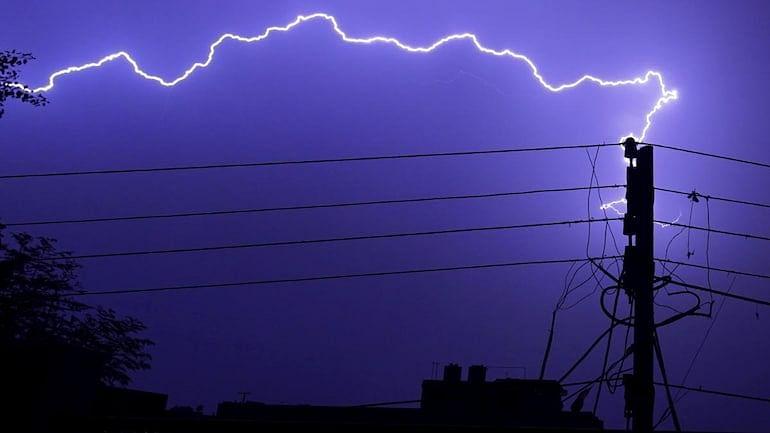 وزیراعظم نریندر مودی نے مدھیہ پردیش کے کچھ  حصوں میں بجلی گرنے کی وجہ سے ہوئے جانی نقصان پر  تعزیت کا اظہار کیا