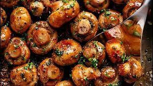 Weekend Cook Book: Buttery Garlic Mushrooms