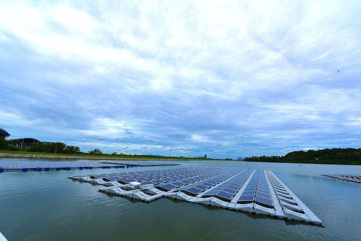 Singapore Unveils World's Largest Solar Panel Farm