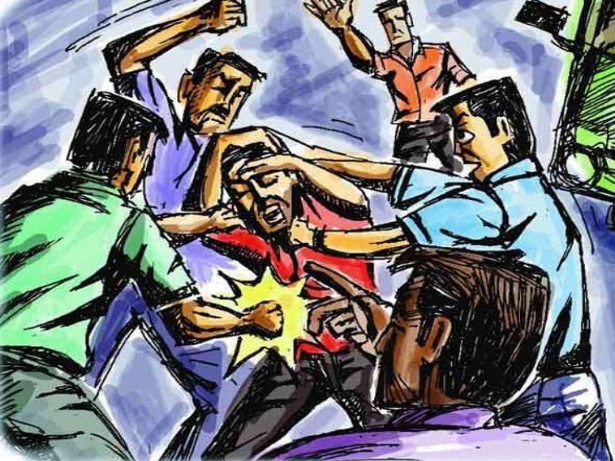 Miscreants Bash Passengers On Board A Bus In Varanasi, Police Register Case