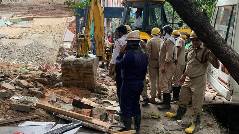 Three-storey Building Collapses In Delhi, Some People Feared Trapped Under The Debris, Rescue Operations Underway