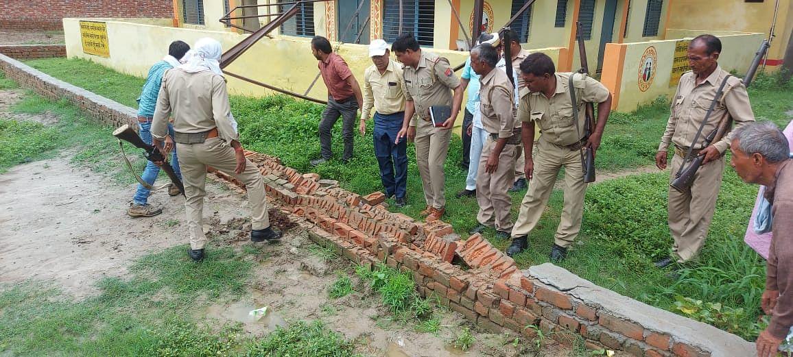 मैनपुरी में स्वास्थ्य विभाग की ज़मीन पर हो रहा था क़ब्ज़ा, शिकायत पर हटाया गया