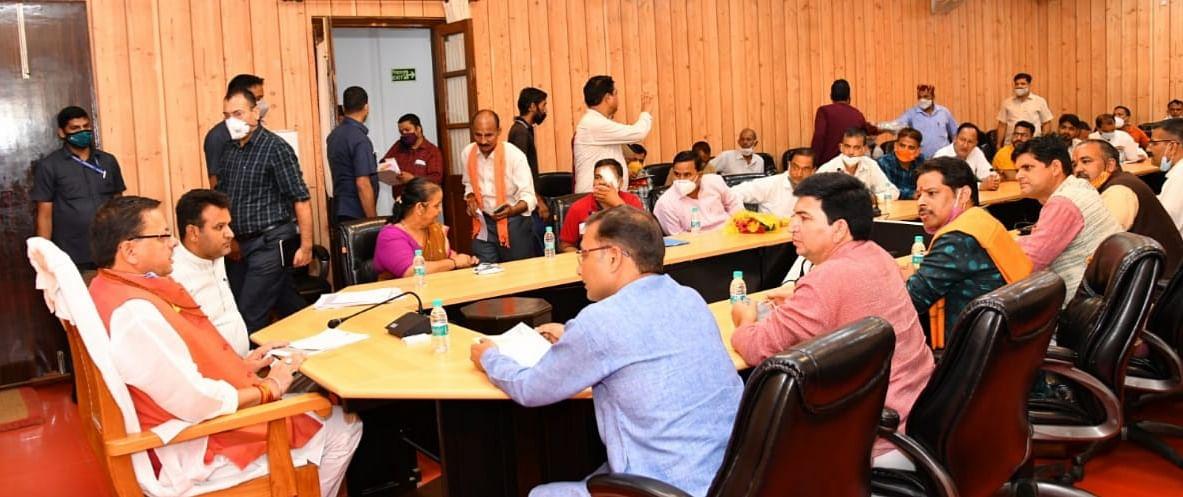 Delegation Of Kedarnath-Badrinath Priests Meets Uttarakhand CM