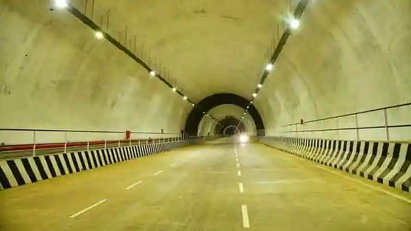 Nitin Gadkari Orders Opening One Side Of The Kuthiran Tunnel In Kerala