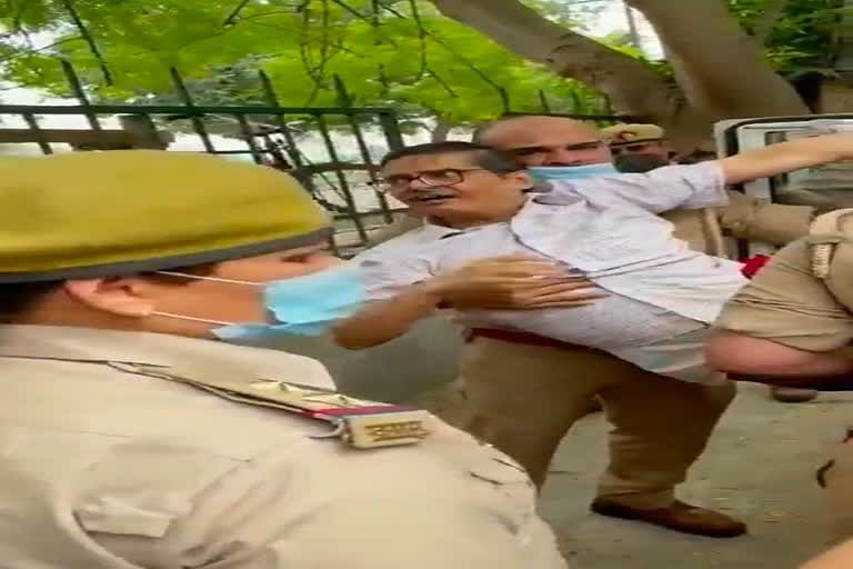 Former IPS Officer Amitabh Thakur Arrested By Lucknow Police