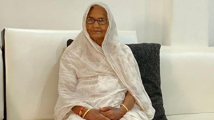 प्रो० राम गोपाल यादव की बहन का करहल में हुआ निधन