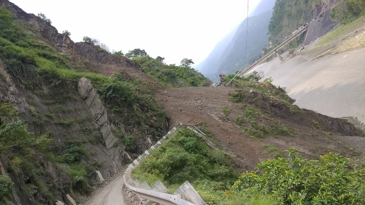 Hill Crumbles In Live View Of Passersby In Himachal's Sirmour