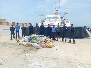 Coast Guard Seizes 2000 Kg Of Endangered Sea Cucumber Headed For Chinese Market