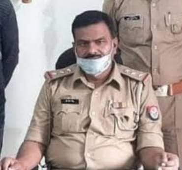 """कानपुर के व्यवसायी को गोरखपुर के होटल के कमरे में मारने वाला एसएसओ जेएन सिंह असल में """"खाकी वाला गुंडा है"""" !"""