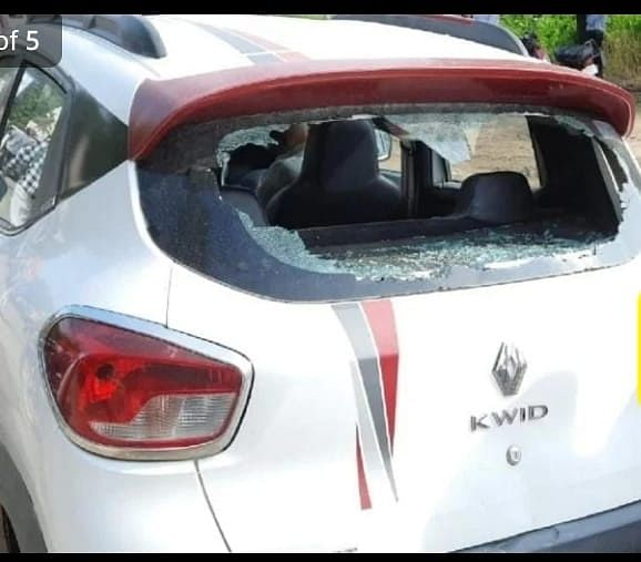 BJP-Congress Supporters Come To Blows In Pratapgarh, MP's Car Damaged