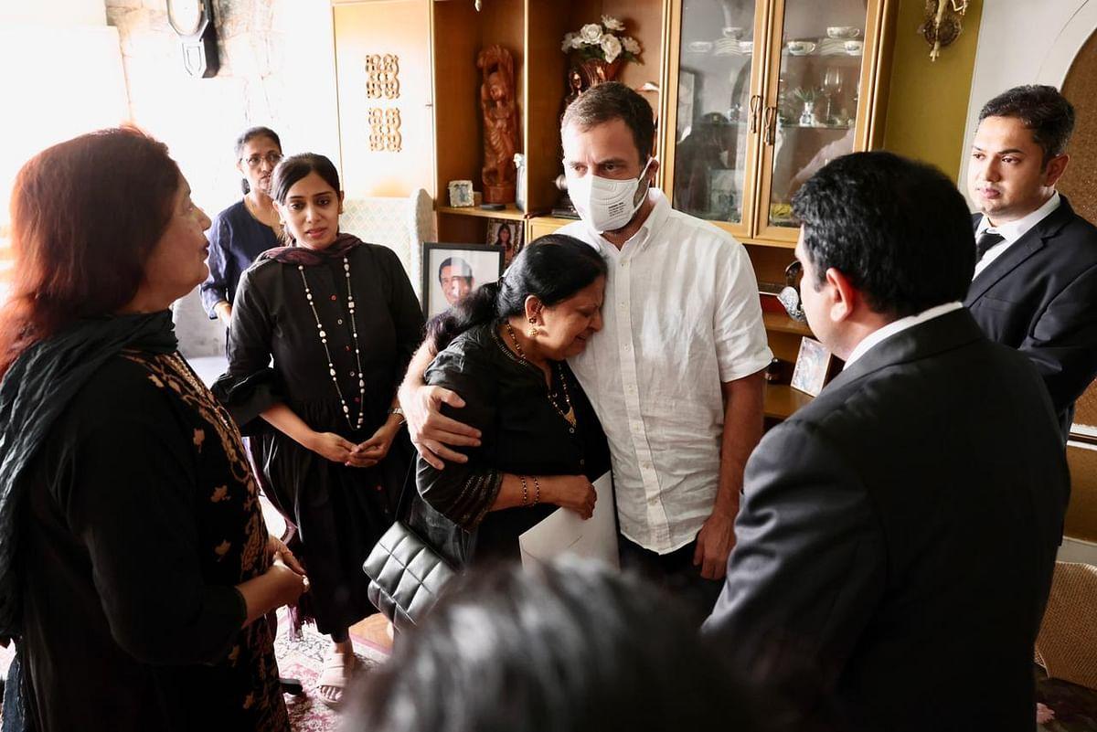 Rahul Gandhi Visits Family Of Oscar Fernandes, Condoles His Passing Away