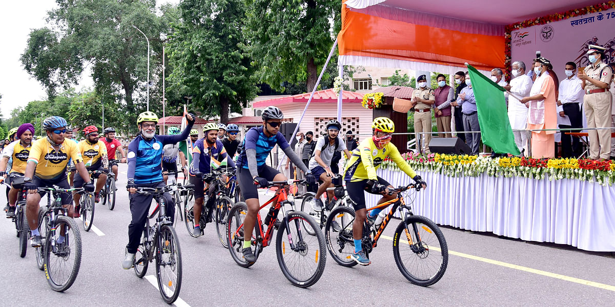 Chief Minister Adityanath Flags Off SSB Cycle Rally From Lucknow To Delhi
